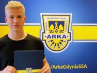 Michał Bednarski podpisał profesjonalny kontrakt i został wypożyczony do Olimpii Elbląg