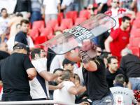 Na stadionach Europy: Maj