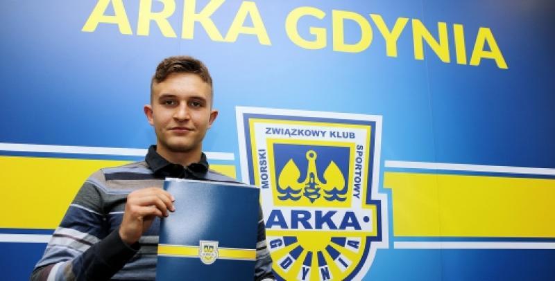 Jakub Pek podpisał profesjonalny kontrakt i został wypożyczony do Gryfa